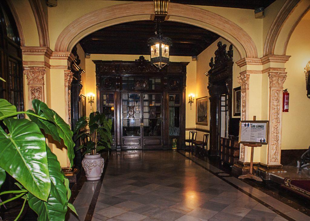 hall entrada casino castellon